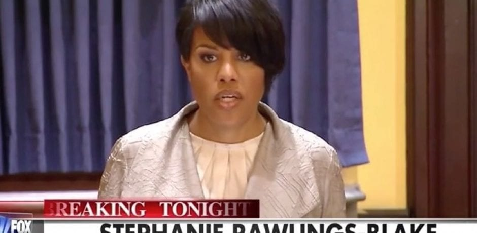 [VIDEO] BALTIMORE MAYOR TRIES TO EMBARRASS FOX NEWS REPORTER...White House Suggests Gun Control Will Solve Crime In Baltimore