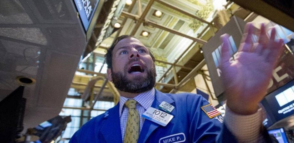 BREAKING: MASSIVE SELL OFF ON WALL STREET