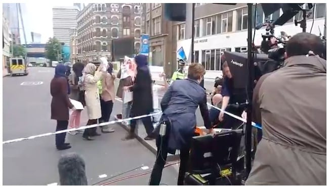 """CNN CAUGHT STAGING FAKE PROTEST at #LondonBridge Complete with """"Muslim Mums"""" [Video]"""